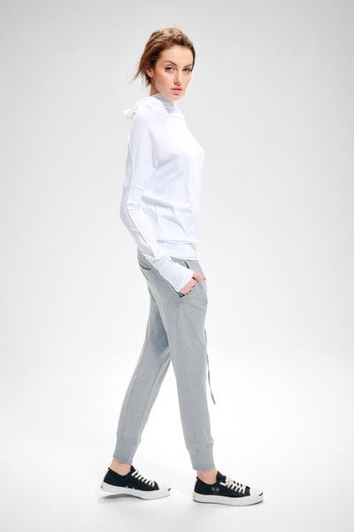 Sometimes a casual pant really is just a casual pant. However we tried to make ours just a little more special, by putting in a sprinkling of tailored details and neat pockets. Leisurely enough for...