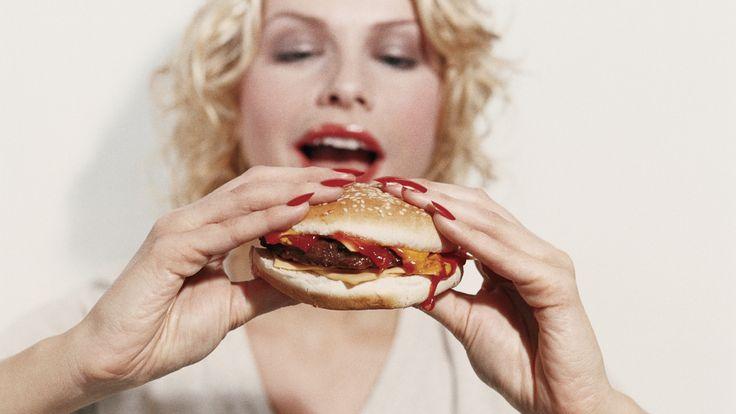 Nachricht: Elf fette Fakten – Darum ist ein Burger meist nicht genug – ift.tt/2r… – Christine Maria Weismayer