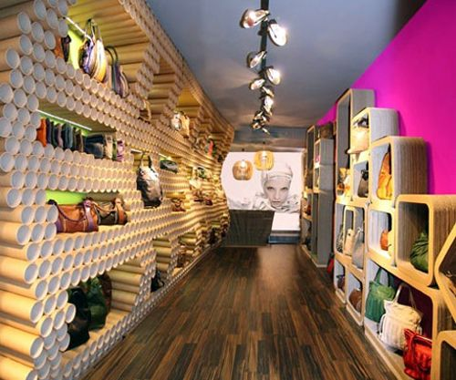 Superior Best 20+ Small Store Design Ideas On Pinterest | Bread Display, Retail  Displays And Small Boutique Ideas