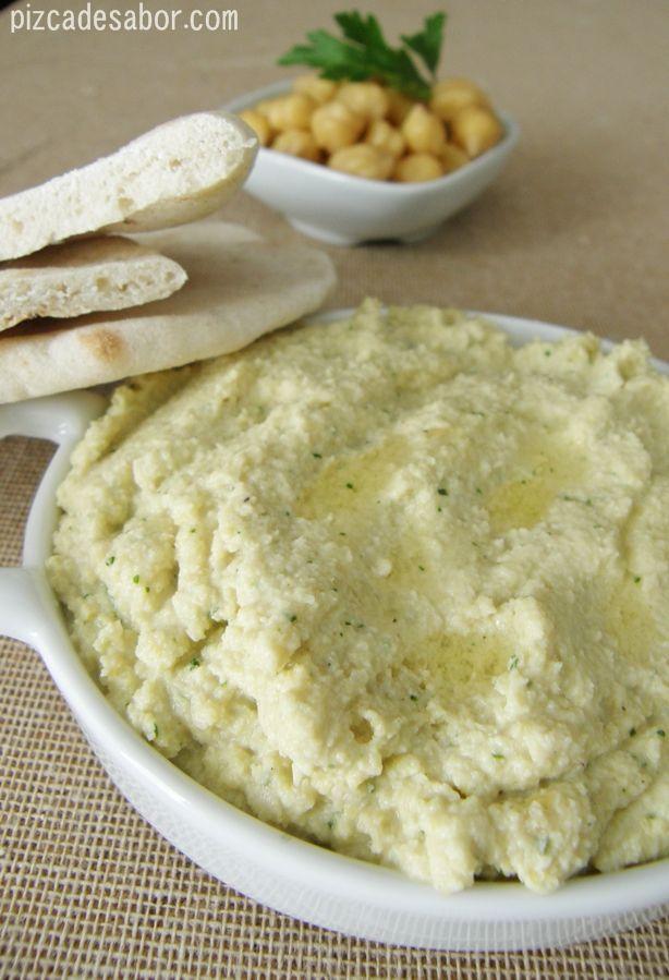 Cómo hacer hummus {sin tahini} | http://www.pizcadesabor.com/2013/01/12/hummus-sin-tahini/