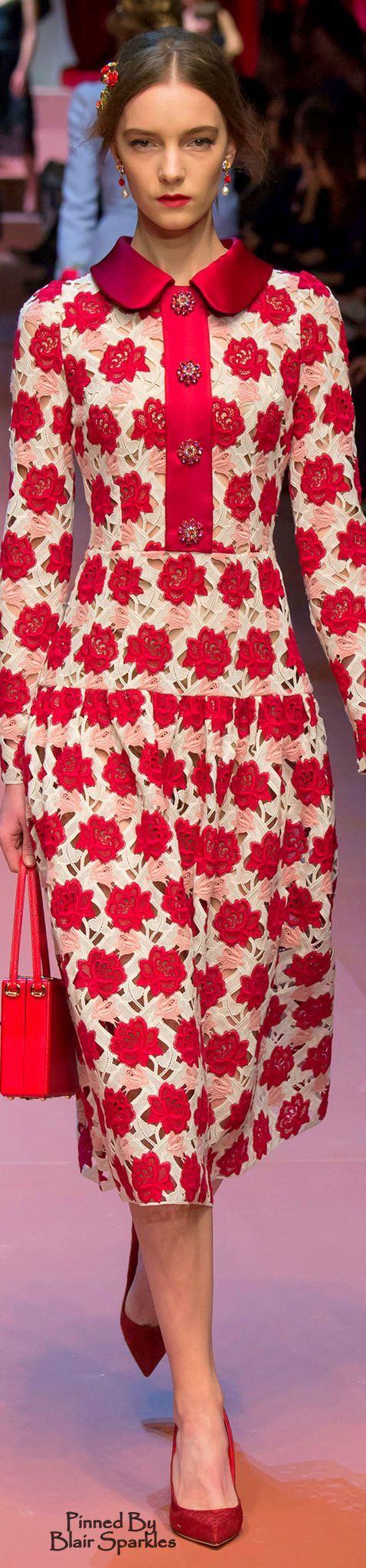 Dolce & Gabbana Fall 2015 Ready-to-Wear Fashion Show
