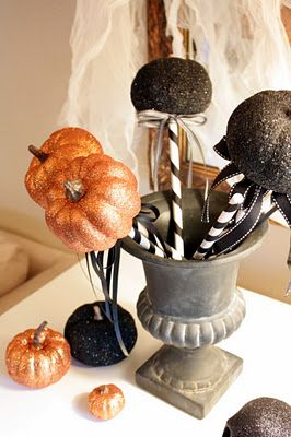 Sweet Something Designs: Pumpkins on a Stick-- or glitter pumpkin wands to make it sound more fancy