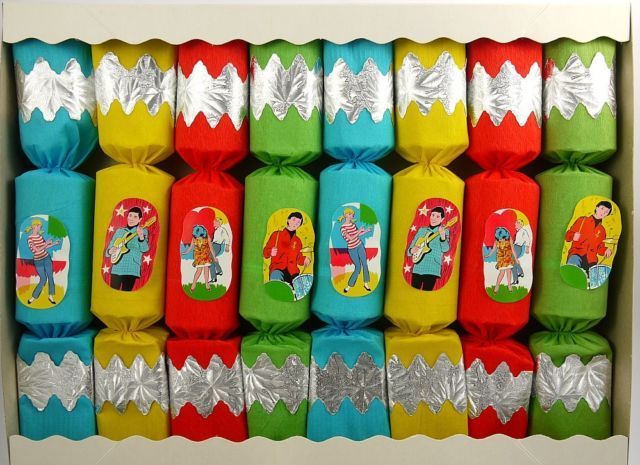 Vintage musical christmas crackers