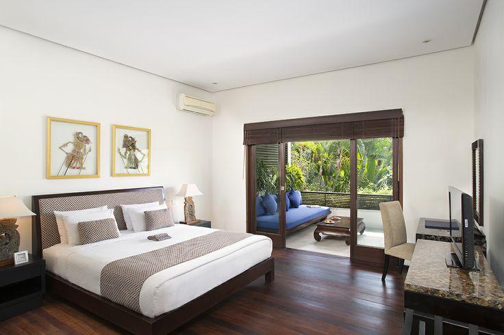 http://prestigebalivillas.com/bali_villas/villa_jemma/2/  Bedroom at Villa Jemma Seminyak