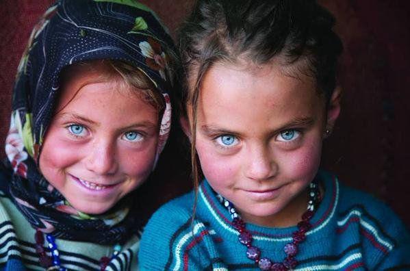 Yörük Girls of #Sarıkeçili village #Traditional clothes #Silifke #Mersin #Turkey by F Cüneyt Oğuztüzün