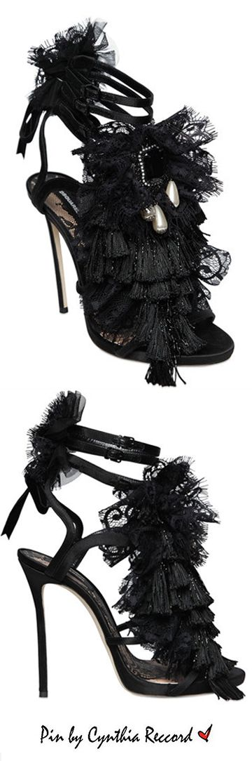 Dsquared2 embellished black ruffle lace sandals | FW 2016 | cynthia reccord