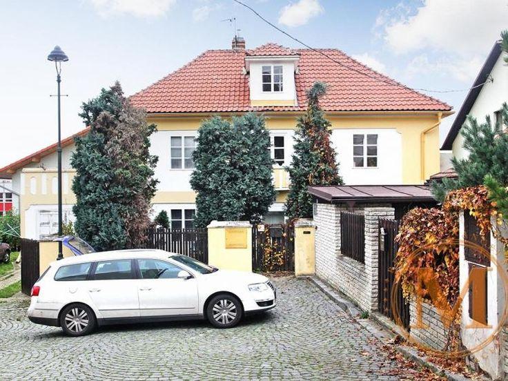 Prodej rodinného domu 210m², Praha 10 - Hostivař • Sreality.cz