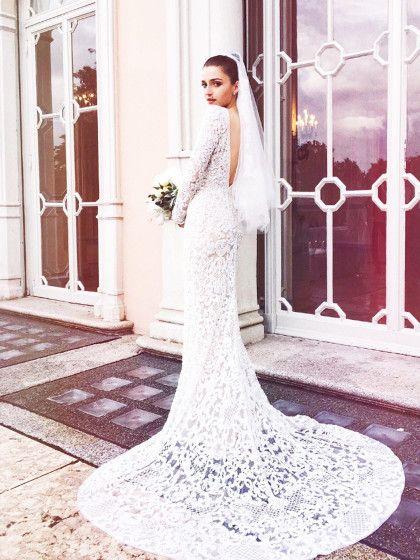 """Eleonora Carisi trug zu ihrer Hochzeit eine """"Spitzenrobe"""" von Elie Saab."""