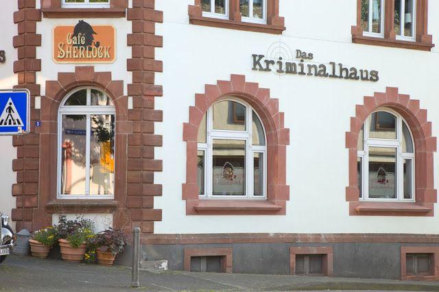 Cafe Sherlock in Hillesheim, Krimihaus. Eifel. Edyta Guhl. http://mein-dolcevita.blogspot.de