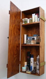 Restaurata: Reciclar, reciclar... Caja de jamón convertida en mueble de baño.