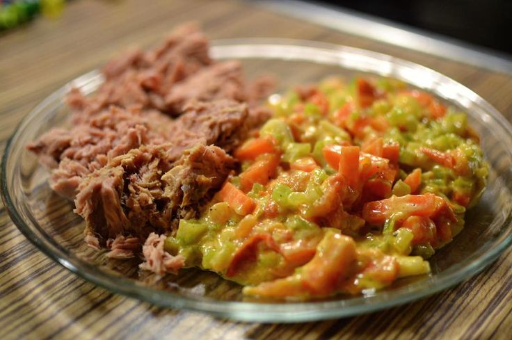 Canned tuna and scrambled eggs with carrot and celery