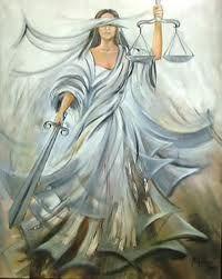 Deusa da inocência e da pureza. Depois de sair da Terra, foi colocada entre as estrelas, onde se transformou na constelação Virgo. Era filha de Têmis (Justiça), representada com uma balança, em que pesa as alegações das partes adversárias. Uma idéia favorita dos antigos poetas era a de que aquelas deusas um dia regressarão à Terra, trazendo de volta a Idade do Ouro.