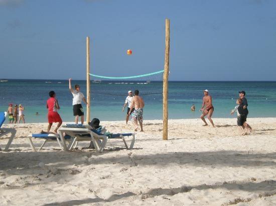 Melia Caribe Tropical: beach volleyball