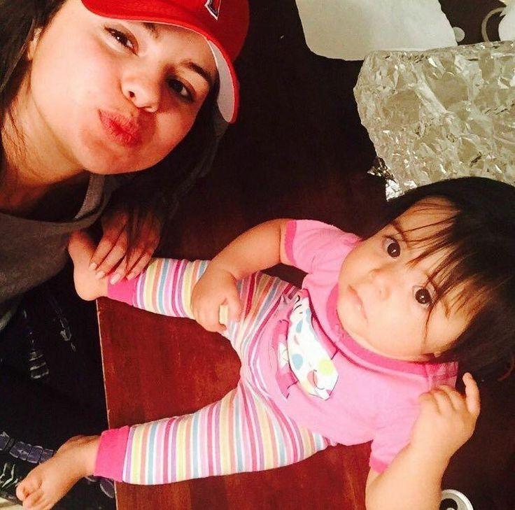 New photo of Selena Gomez with her sister Victoria  Nueva foto de @selenagomez con su hermana Victoria  #SelenaGomez #Selena #Selenator #Selenators #Fans