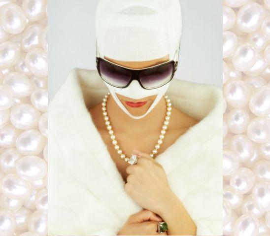 Nip, tuck, pearls. #jewelry trends #AdornLondon