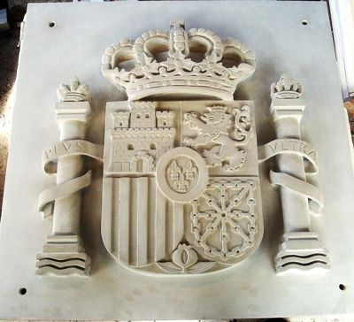 Escudo realizado con piedra artificial