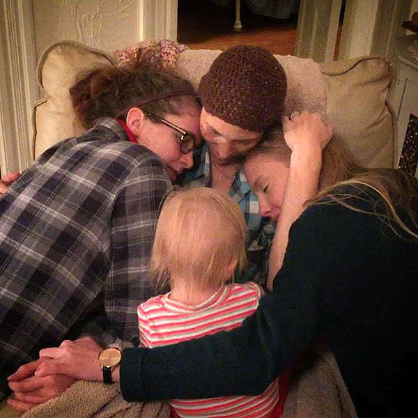 Joey Feek Embraces Daughters Near End of Cancer Fight: Our Girls Are Spending 'Time with Their Mom and Baby Sister,' Writes Husband