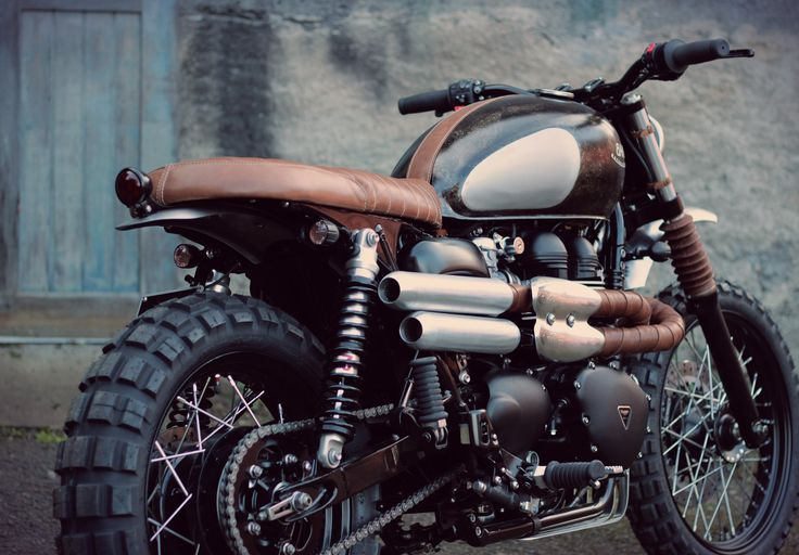 Triumph Scrambler exhaust by BAAK.