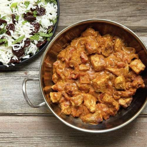 Creamy chicken and tomato curry