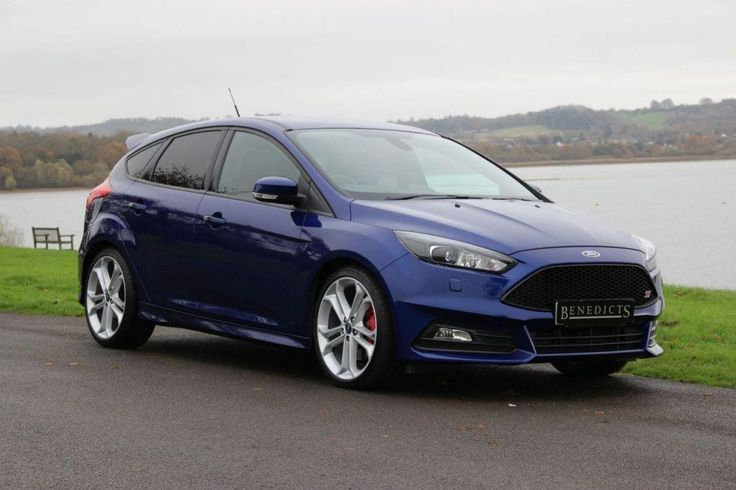 This 2016 16 ford focus 2.0 st-3 5d 247 bhp is for sale.