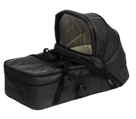 Mountain Buggy Блок для новорожденных Duet  — 12950р. ---------- Люлька для коляски Mountain Buggy Duet дает возможность малышам вздремнуть или просто отдохнуть - как дома, так и во время поездки.  Особенности:  • компактная и удобная люлька для детей с рождения до 6...