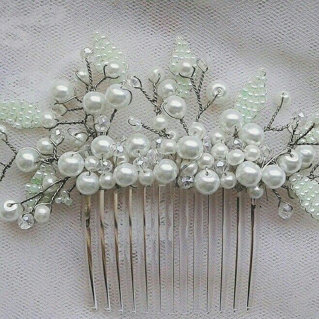 Pearl and leafs wedding comb