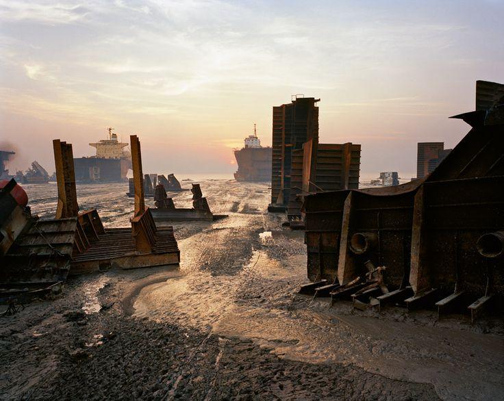 Edward Burtynsky - Shipbreaking #13  Chittagong, Bangladesh, 2000