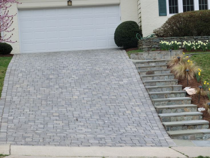 Sloped Paver Driveway With Steps Driveway Front House