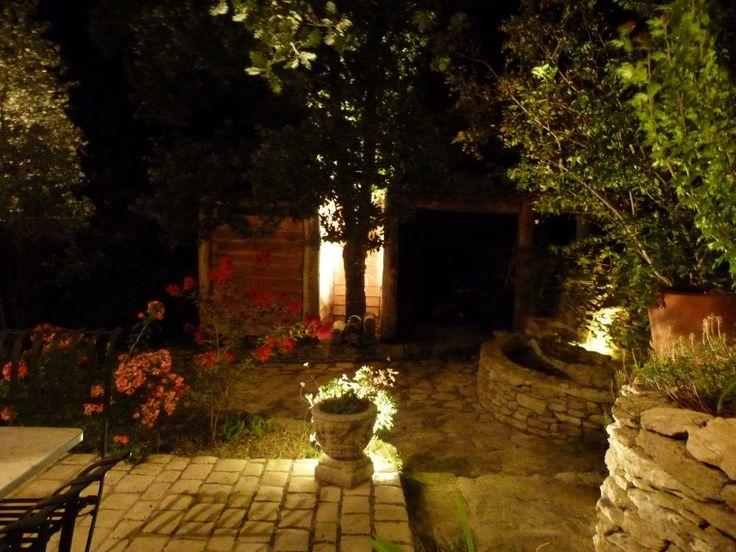 Location vacances maison Saumane-de-Vaucluse: éclairage extérieur pour soirées au charme inoubliable...