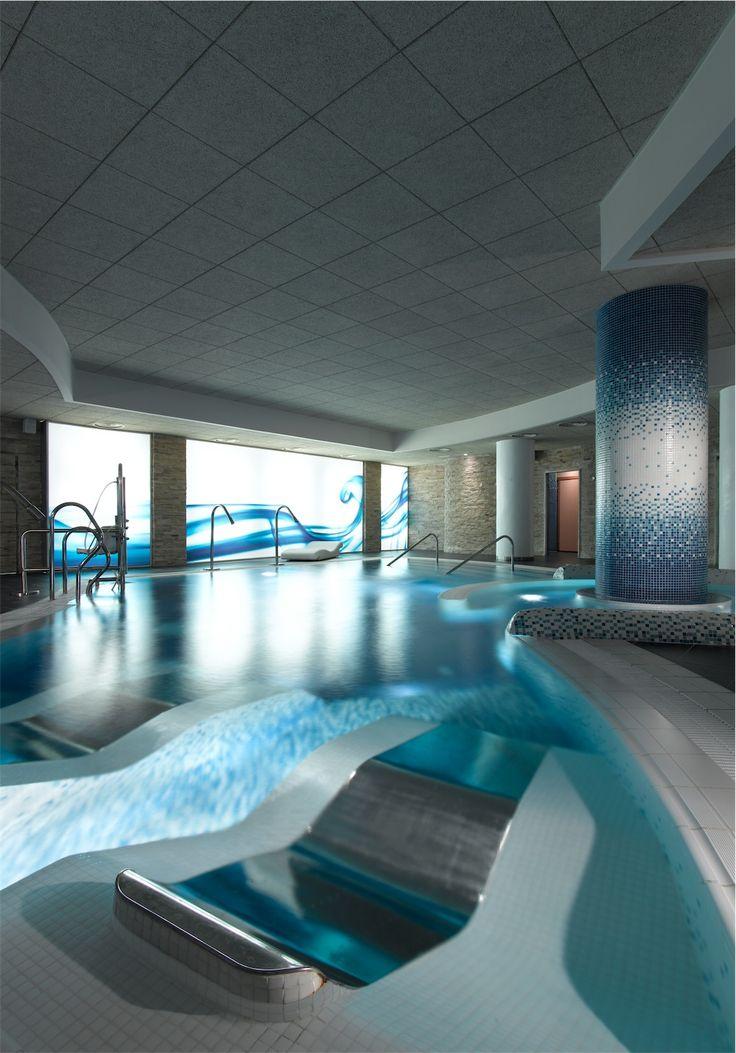 Plan en pareja para el jueves que consiste en circuito spa del hotel Abades Nevada Palace 4 estrellas más masaje de 15 minutos. 24,95€ por persona.