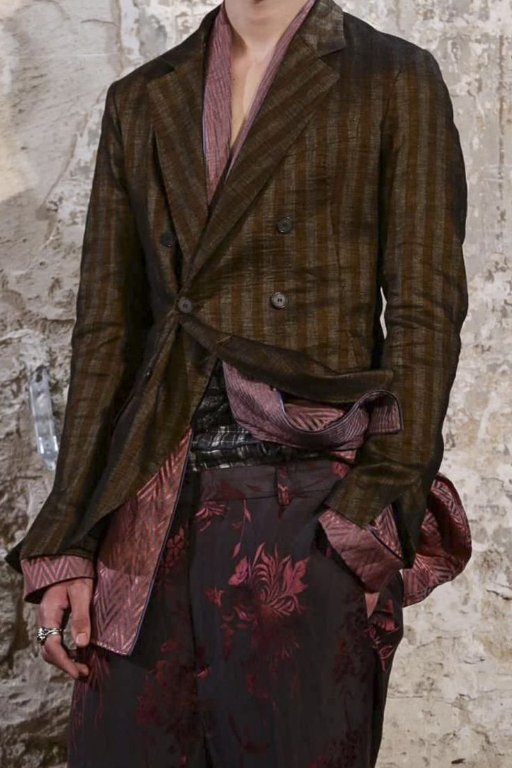 Haider Ackermann, Menswear Spring Summer 2015 http://blog.cruvoir.com/haider-ackermann-mens-spring-summer-2015-collection/