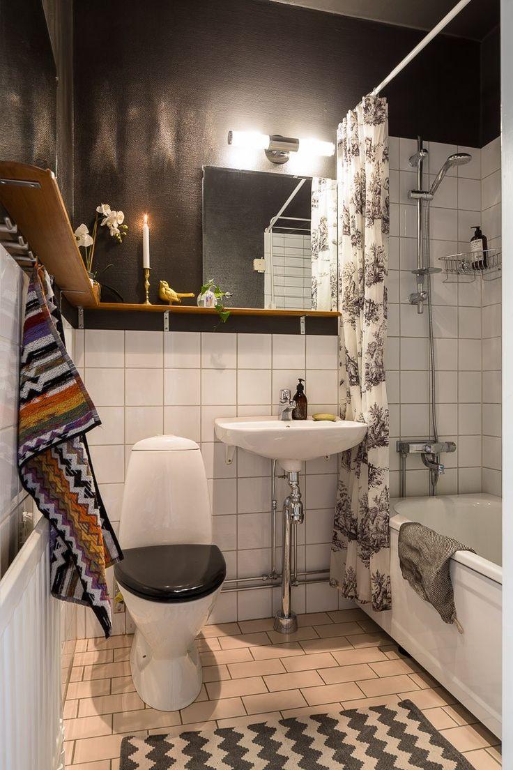 Repainted our bathroom, last weekend. Such a differnece! #bathroom #toilet #missoni #darkgrey #weekendproject
