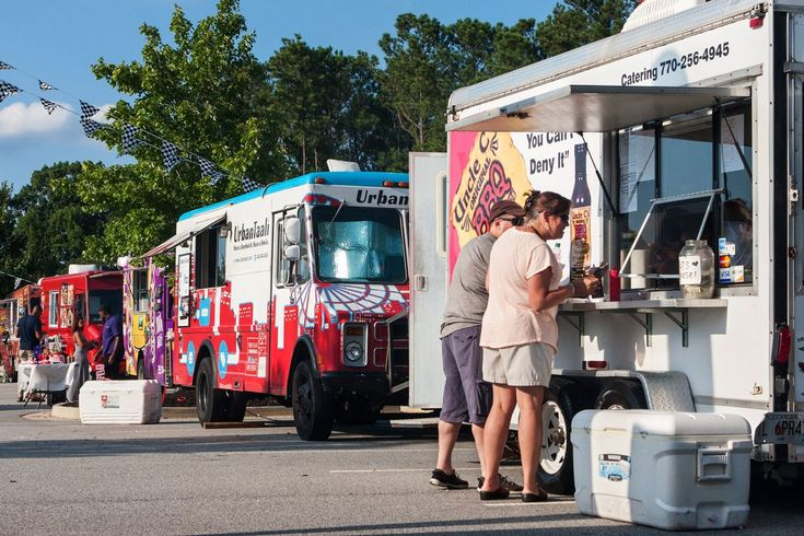 Mall #Owners #Fighting Online Stores Turn to #Concerts, Food Trucks...