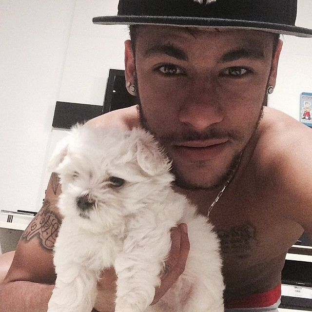BAE... And Neymar is there too.. Too dam hot.