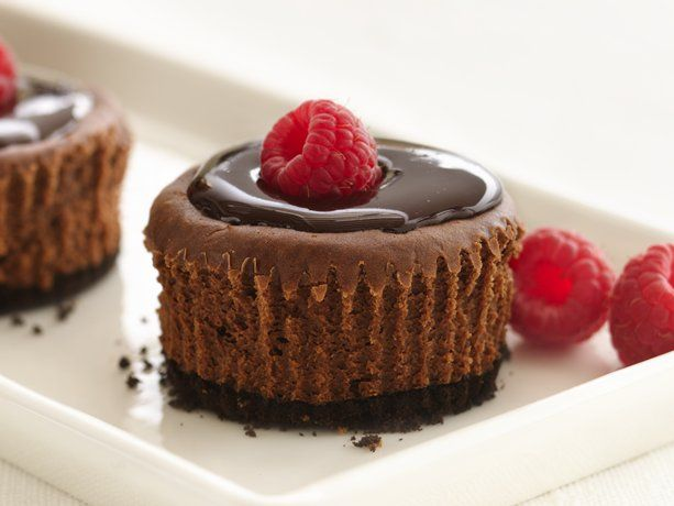 Healthified Mini Chocolate Cheesecakes: Desserts, Chocolates Cheesecake Recipes, Muffins, Sweet, Minis Chocolates, Food, Chocolates Cupcakes, Yummy, Raspberries