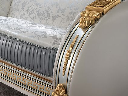 Muebles Italianos contemporáneo de color plateado y dorado muy lindo