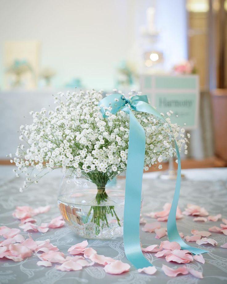 いいね!39件、コメント2件 ― ayeさん(@aye_wedding_tiffany)のInstagramアカウント: 「❁︎ ティファニーウェディングに加えてこだわりたかったテーマは、かすみ草。 ブーケに合わせて、テーブル装花もかすみ草onlyに。 ・…」
