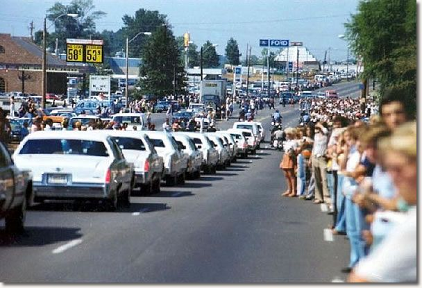 Elvis Presley August 1977 - funeral cortege. Elvis Aaron Presley - January 8, 1935 Tupelo, Mississippi, U.S. Died	August 16, 1977 (aged 42) Memphis, Tennessee, U.S. Resting place Graceland, Memphis, Tennessee, U.S. Education . L.C. Humes High School Occupation	Singer, actor Home town	Memphis, Tennessee, U.S. Spouse(s)	Priscilla Beaulieu (m. 1967; div. 1973) Children Lisa Marie Presley