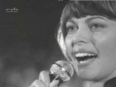 Mireille Mathieu - Der Pariser Tango - YouTube
