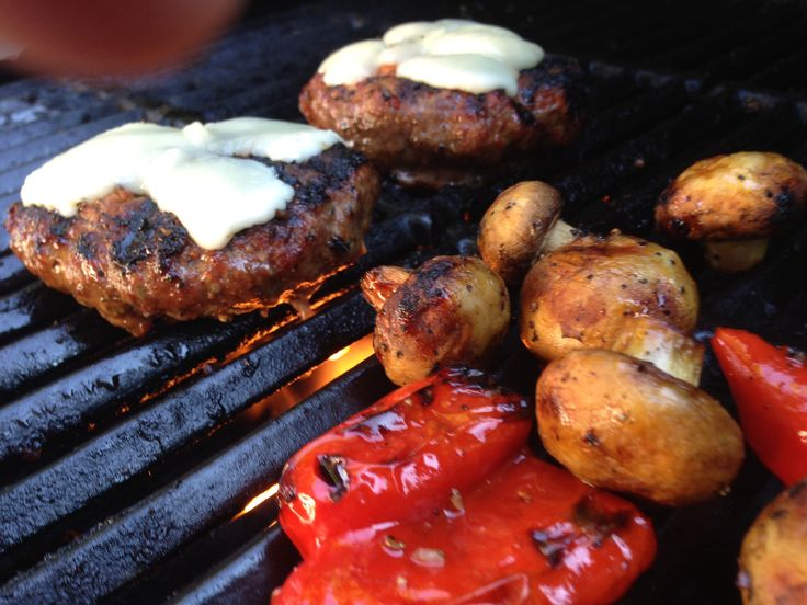 Chilli stuffed burgers with grilled mushroom and peppers.