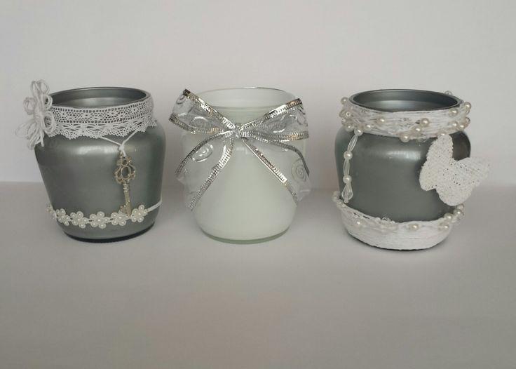 Frascos decorados en blanco y plata