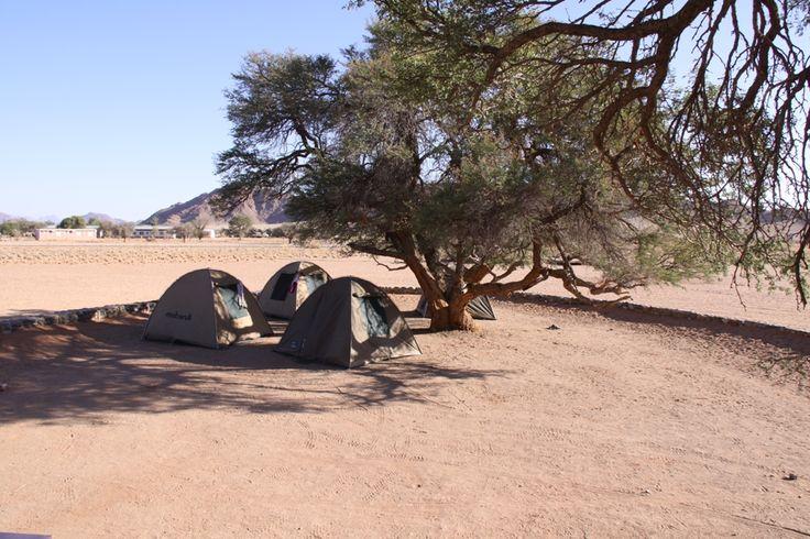 Expedice BUSHMAN Namibia 2014. Naši cestovatelé obejvují Afriku. Více najdete na webu www.bushman.cz