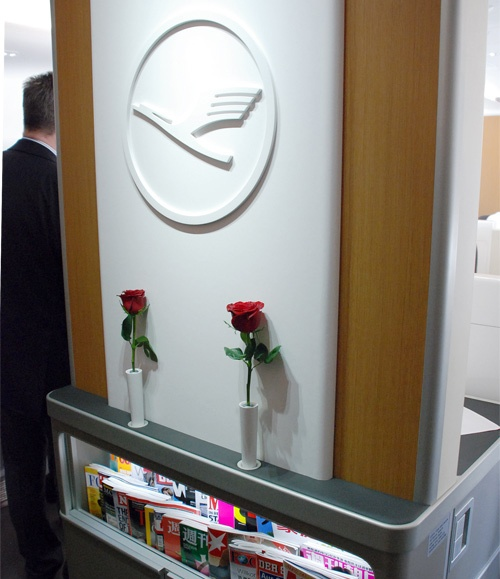 The Little Things: Fresh Red Roses on #Lufthansa #Airlines #Travel