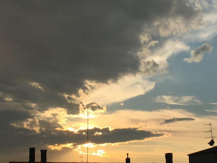 C'è sempre il sole dietro alle nuvole