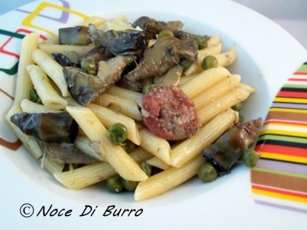 Pennette con carciofi, piselli e salsiccia, ricetta primo Noce di Burro