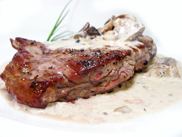 Hovězí steak Bavette s ragú z lesních hub #ukastanubranik http://www.ukastanu.cz/branik