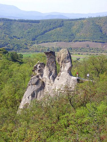 """Barát és Apáca"" sziklák / Rocks called ""Priest and Nuns"" - Near Siroki castle towering andesite rocks dominate the landscape - Sirok, Hungary"