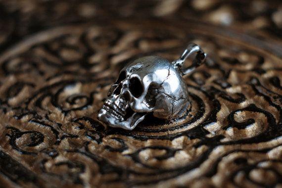 Mens zilveren schedel hanger Death MADE TO ORDER door NellyRomanova