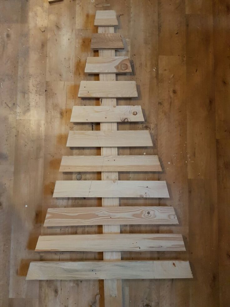 Pallets Christmas Tree