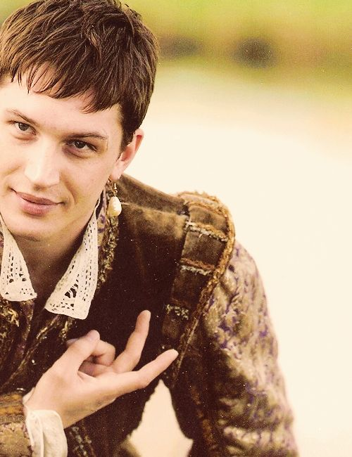 Tom Hardy as Robbie Dudley in The Virgin Queen mini-series.